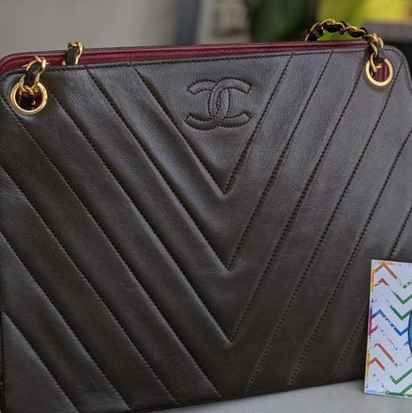 CHANEL Handbags - 🎉SOLD🎉Vintage Chanel Tote